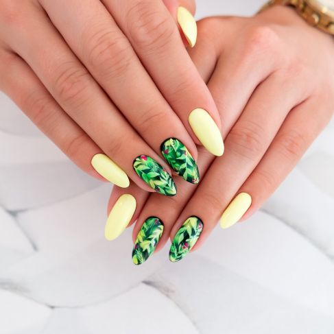 "182 Strong Lime - Semilac Soak Off Gel / Hybrid Nail Polish - ""Flavours"" Collection - SemilacUSA"
