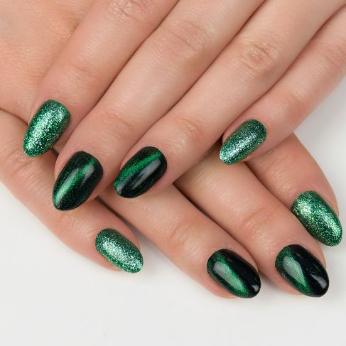 "262 GREEN - Semilac Soak Off Gel / Hybrid Nail Polish - ""Platinum"" Collection - SemilacUSA"