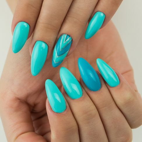 "521 Turquoise Blue - Semilac Soak Off Gel / Hybrid Nail Polish - ""Semibeats"" Collection - SemilacUSA"
