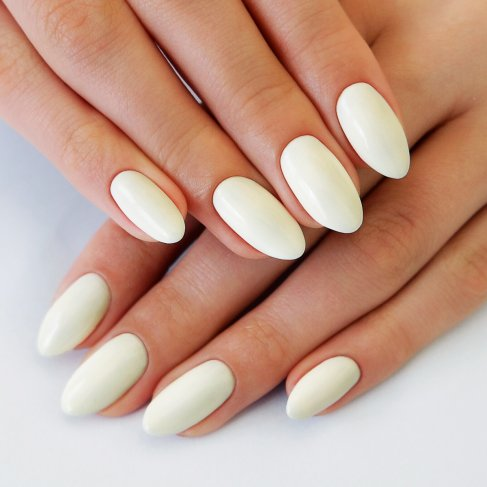 530 DELICATE WHITE Semilac Soak Off Gel / Hybrid Nail Polish - CELEBRATE Collection - SemilacUSA