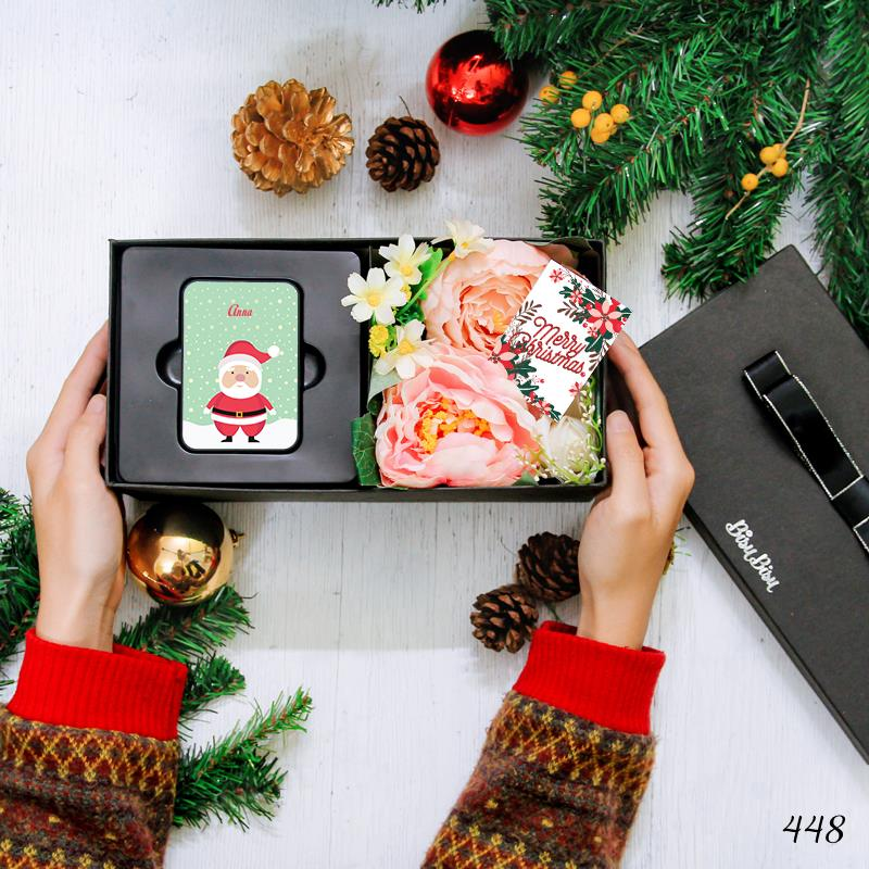Flower Gift Box with Santa Claus with Snow Power Bank