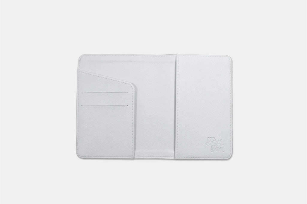 100% Travel Couple Personalizable Passport Holders