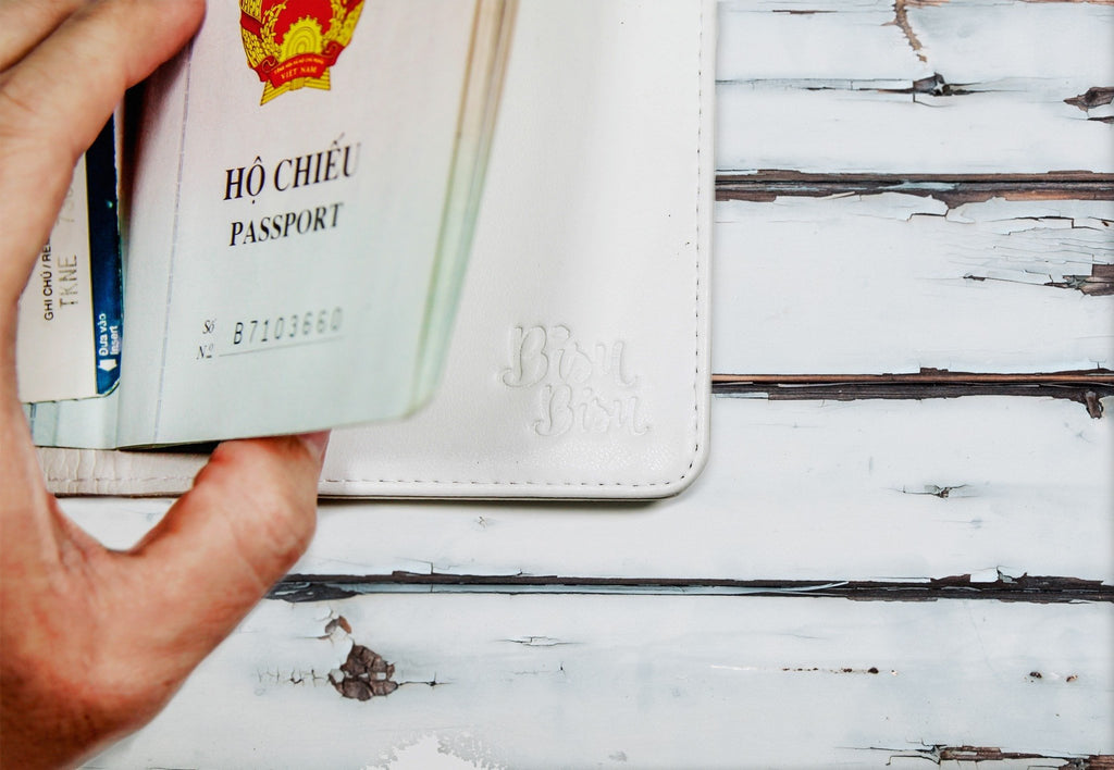 Black & White Personalizable Passport Holder
