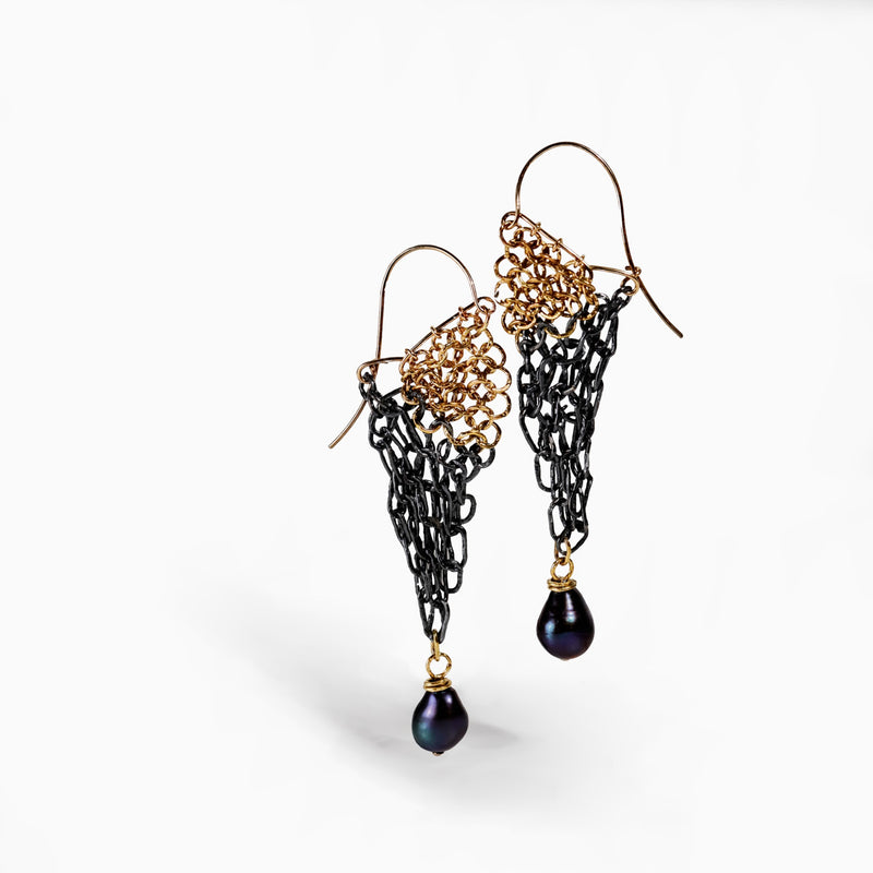 18KY gold and oxidized Sterling Silver dangling earrings with a black pearl at the bottom