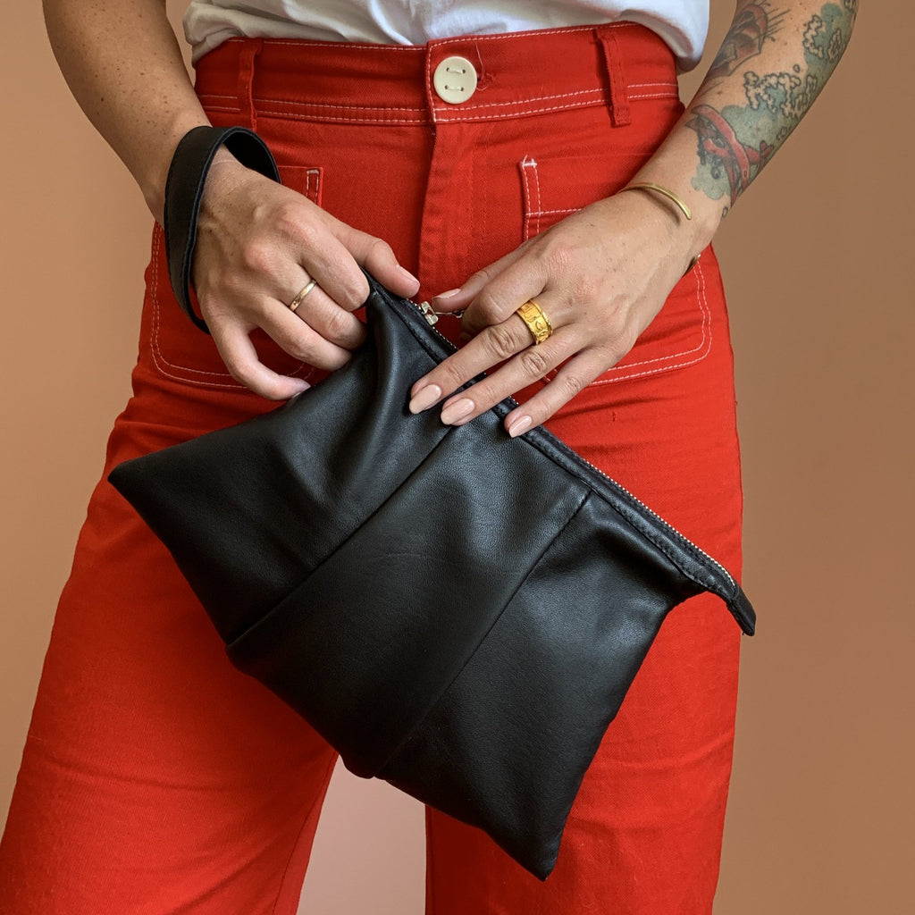 BALON LEATHER CLUTCH