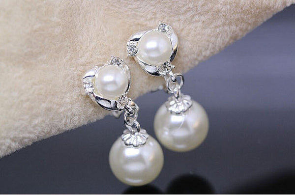 Elegant Dolphin Pearl Earrings
