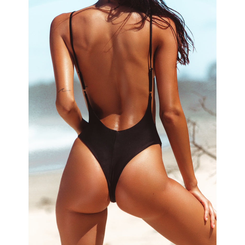 Mila One Piece Black