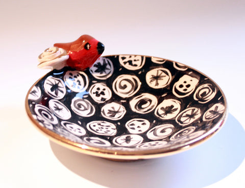 Robin Edged Saucer Black and White