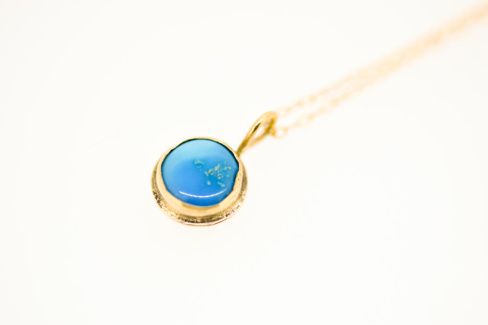 9ct Solid Gold Kingman Turquoise Pendant
