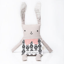 Load image into Gallery viewer, *NEW* Wee Gallery Organic Flippy Friends - Bunny