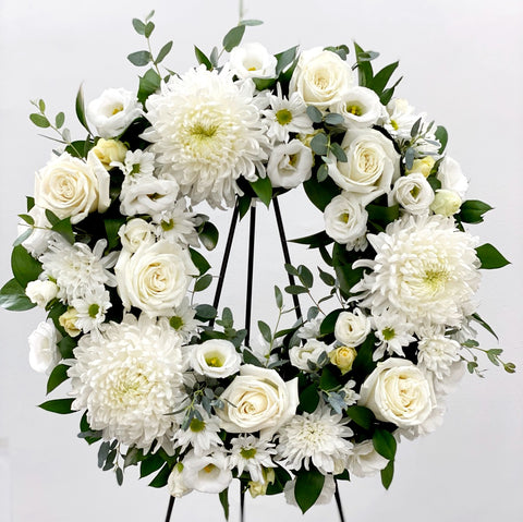 "Wreath 24"" white elegance"