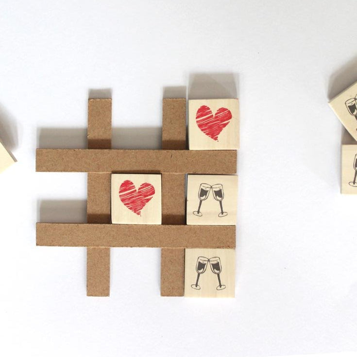Tic Tac Toe Magnet - Heart And Glasses