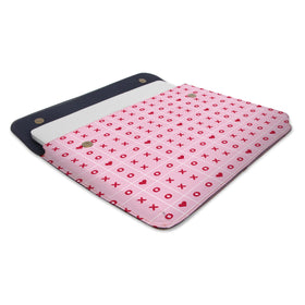 products/Canvas-Laptop-Sleeve-Heart-XOXO_01.jpg