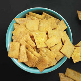 Cheddar-Cheese-Crackers-FOOD-PropShop24.com