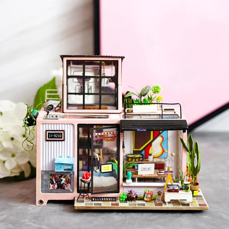 DIY - Miniature Dollhouse Kit - Kevins Studio-DESK ACCESSORIES-PropShop24.com