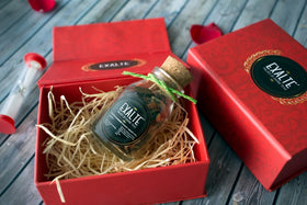 Festive Gift Box - Red-Food-PropShop24.com
