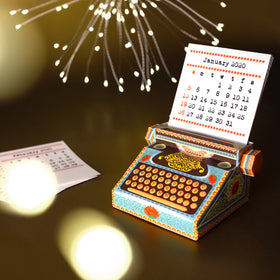 products/Typewriter_Calendar_2.jpg