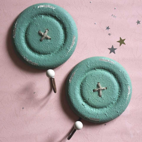 Button Hooks - Green - Set of 2 - propshop-24