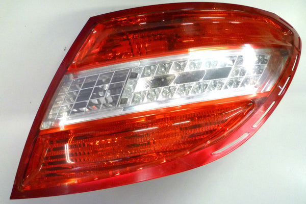 2048202064 TAIL LAMP RIGHT SIDE W204 C CLASS HALF LED NEW 2010-2011