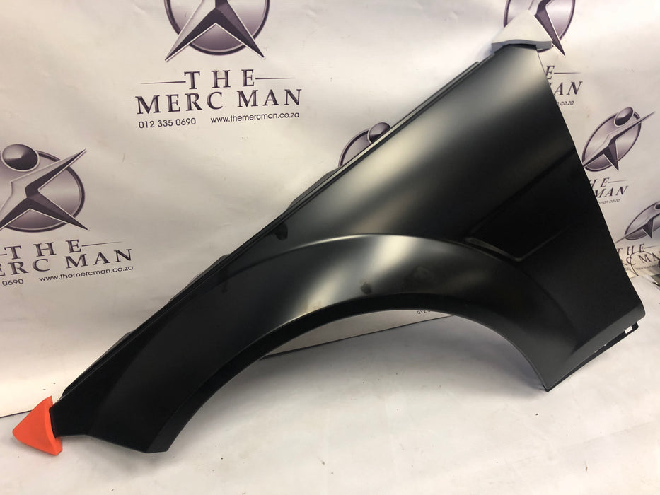 2048800718 Fender Left Front W204 C63 AMG New