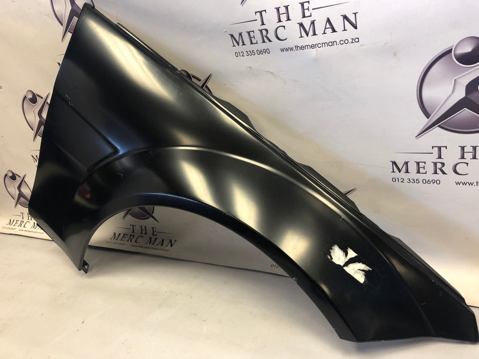 2048800818 Fender Right front W204 C63 AMG New