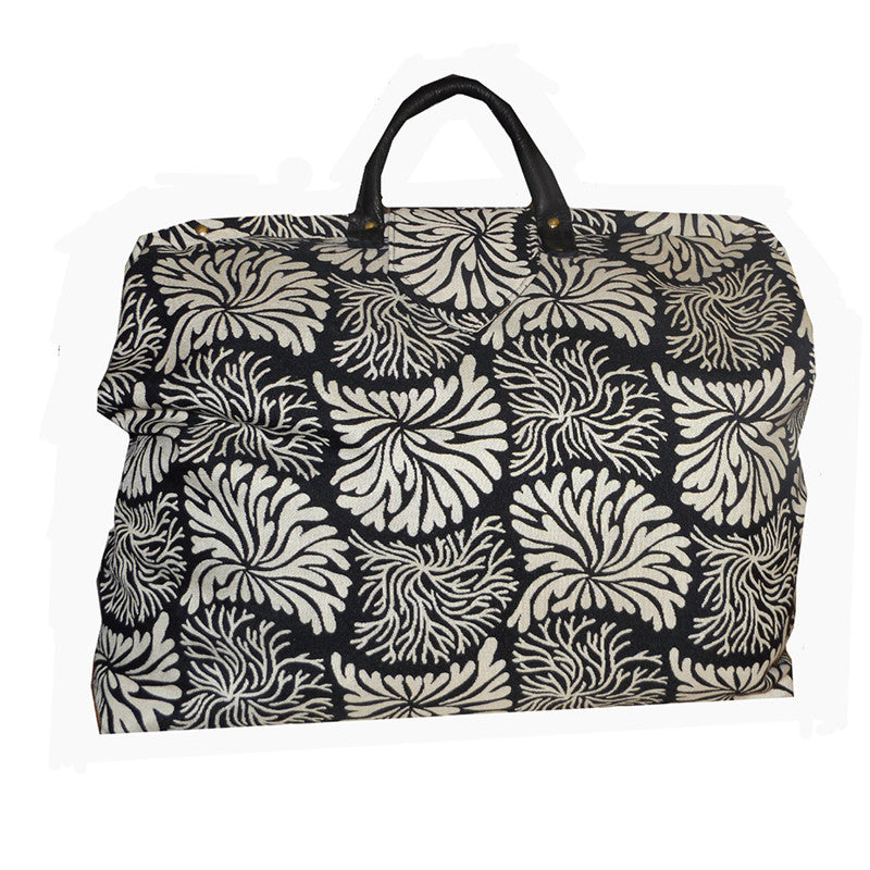 BLACK & IVORY ABSTRACT WOVEN TAPESTRY CARPET BAG
