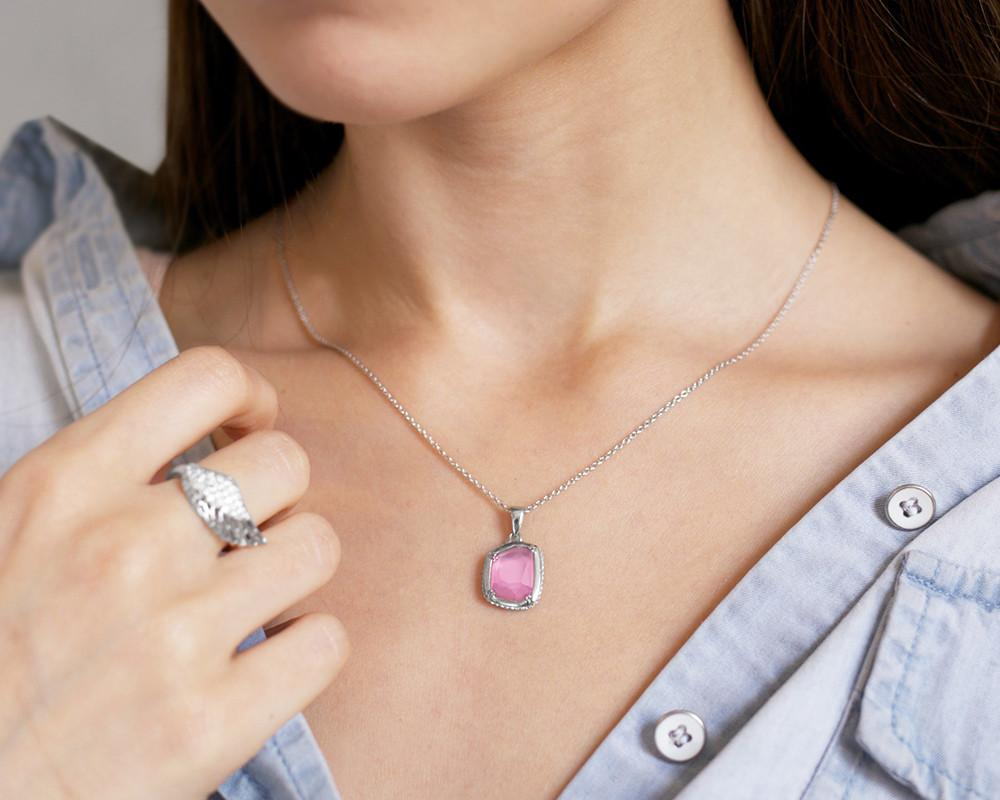Irregular Doublet Necklace in Pink