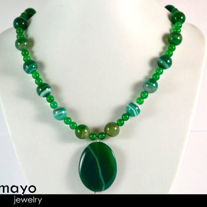 GREEN AGATE NECKLACE - Natural Oval Pendant and Round Beads