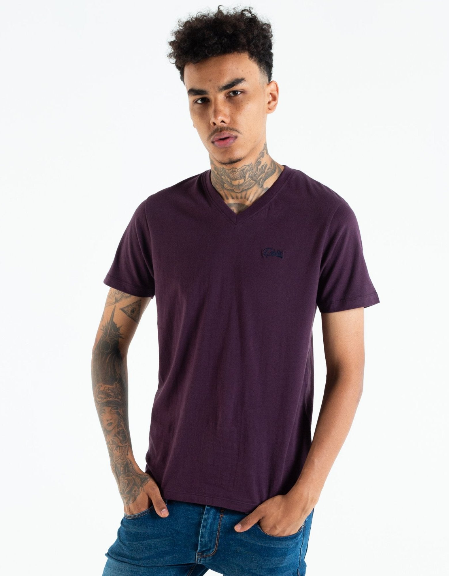 Basic Scott V Neck Tee Black Cherry