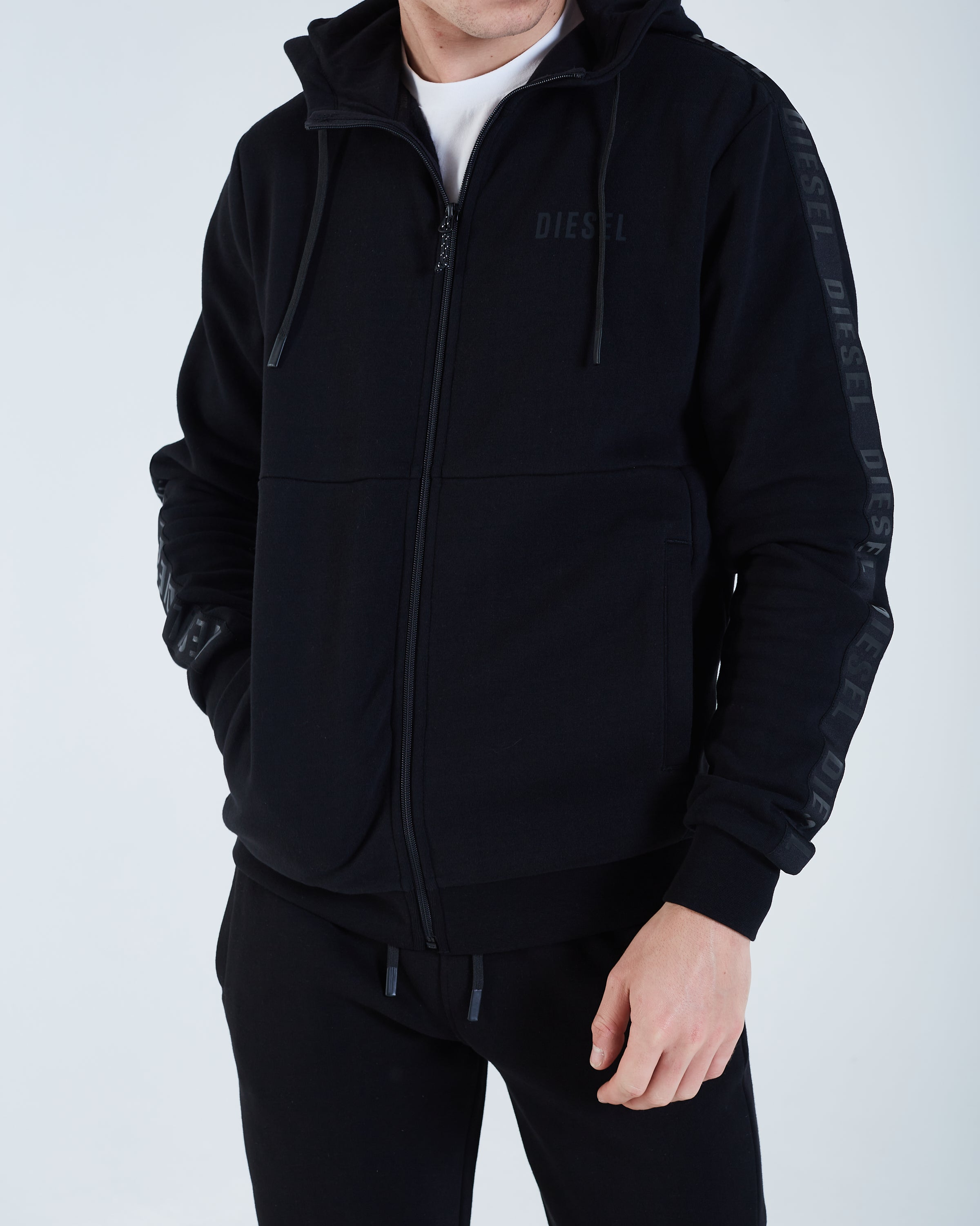 Domenico Zipper Black