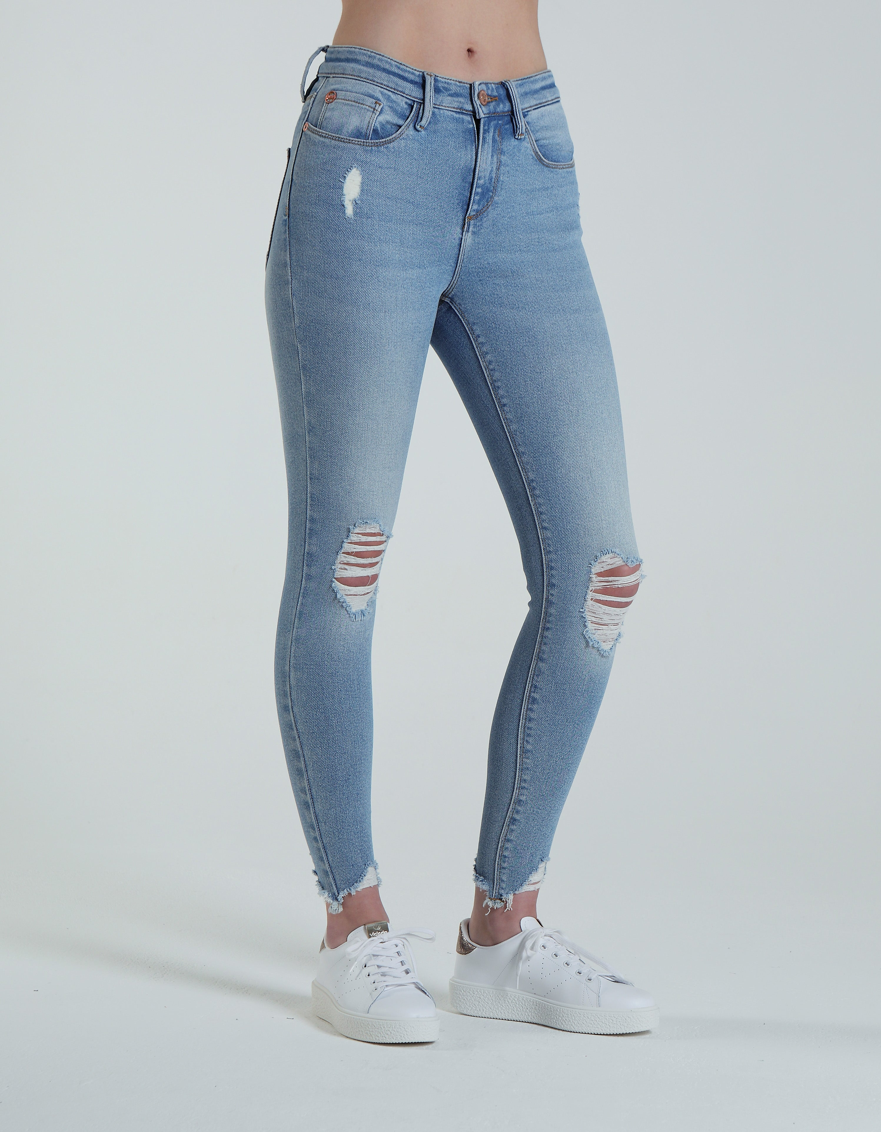 Piper Mid Rise Skinny Vintage Light Blue