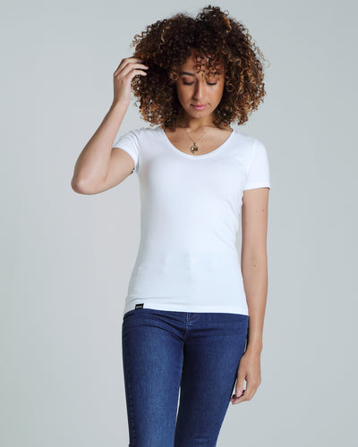 Clara V Neck Basic Optic White
