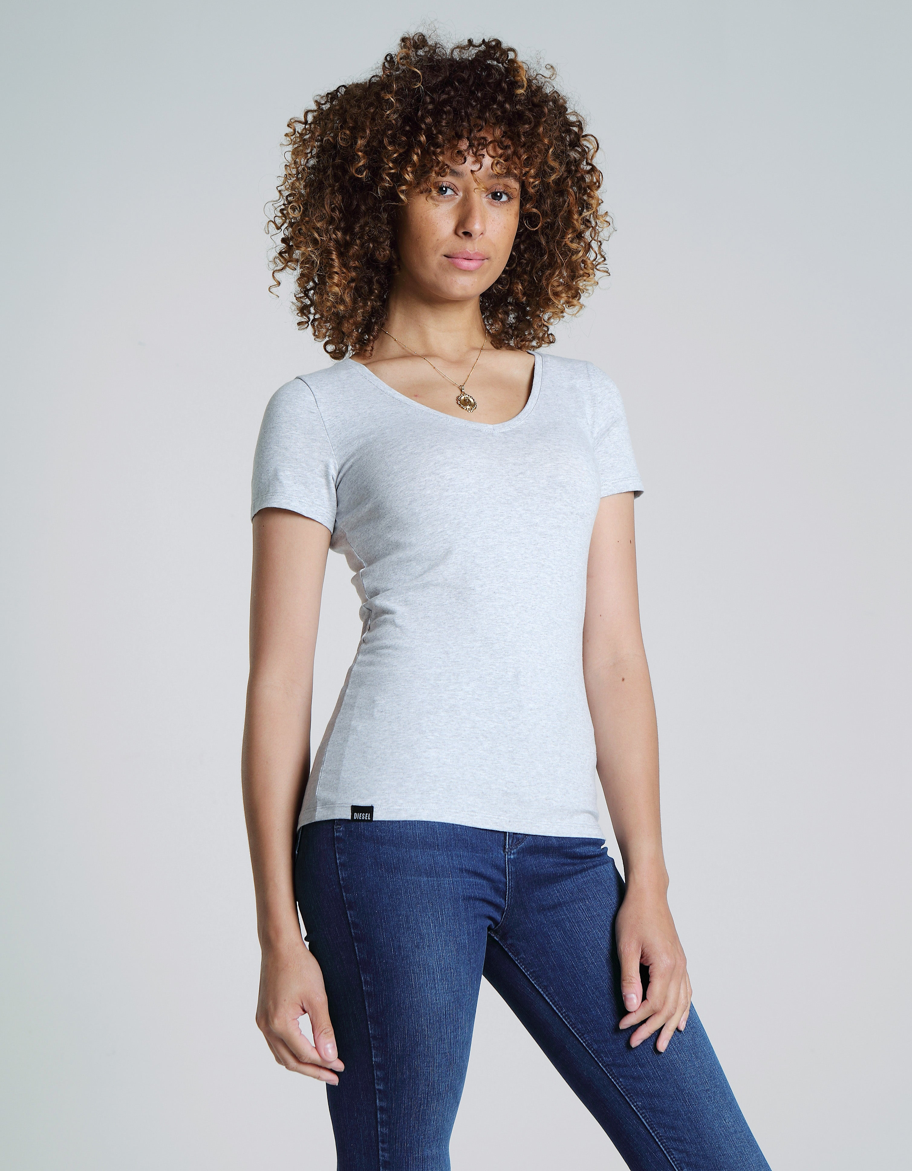 Clara V Neck Basic Pebble