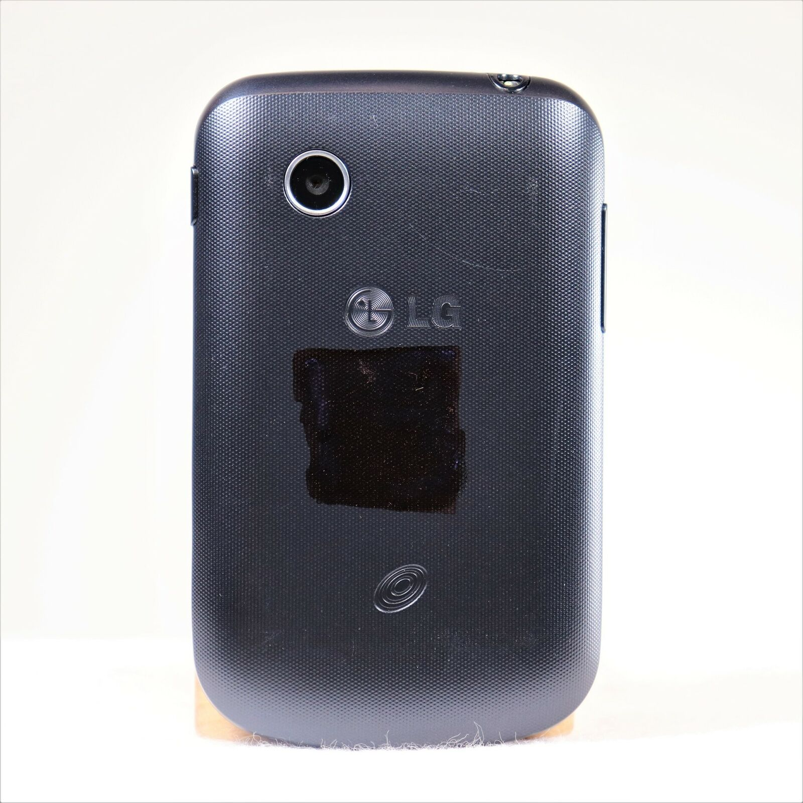 LG 306G Tracfone Smartphone - No Contract - Easy to Use Friendly - Touchscreen