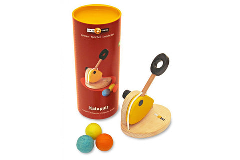 Naseweiss Wooden Catapult Lightweight ball launching toy Lushbutik Copenhagen