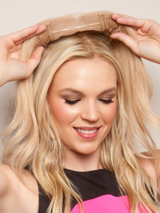 This exquisite hair addition is ideal for adding volume, and the large base gives you plenty of coverage