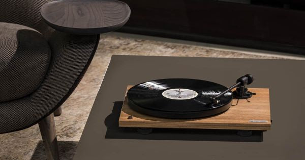 Tech Rap: Vinyl Revisited, and The Como Audio Turntable