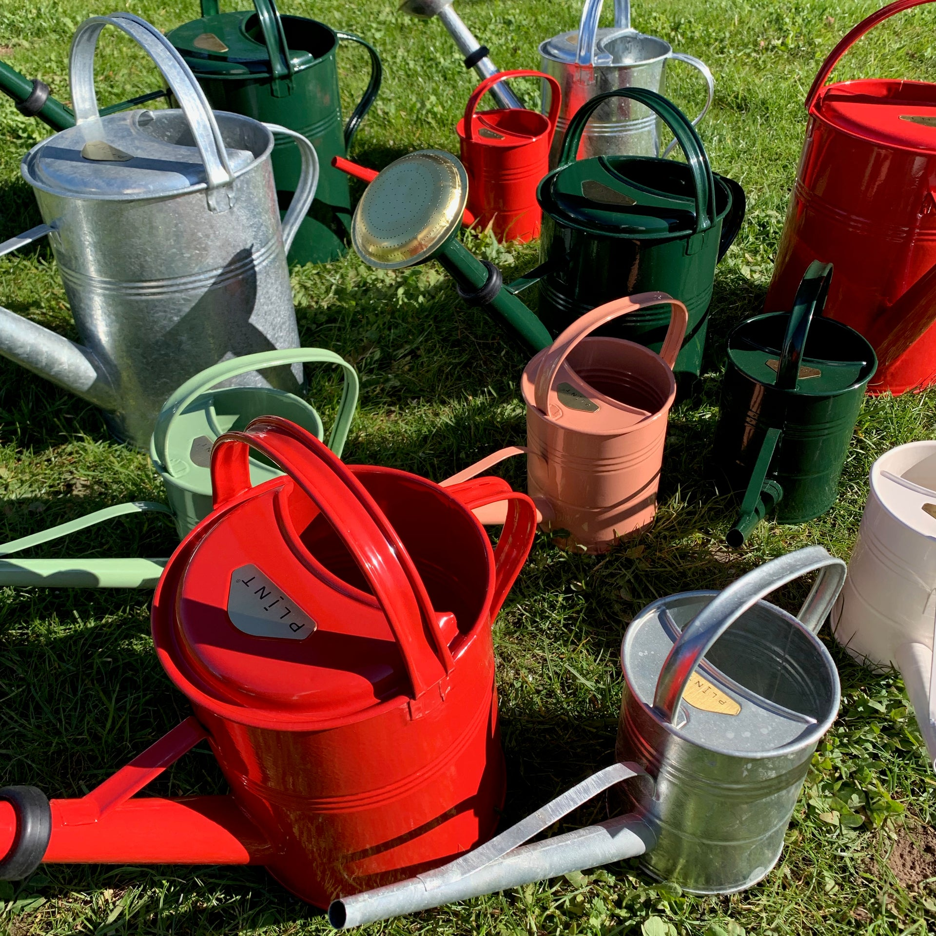 Watering can 1,5 liter red - available end of September '19