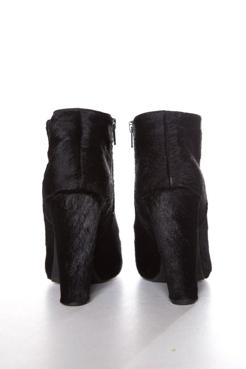 Stuart Weitzman Black Round-Toe Calf Hair Booties SZ 7.5