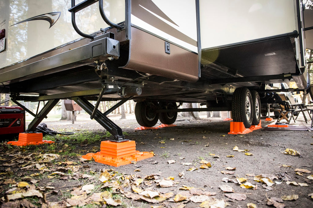 10 Great US RV Dealerships That Carry the Orange - Lynx Levelers!