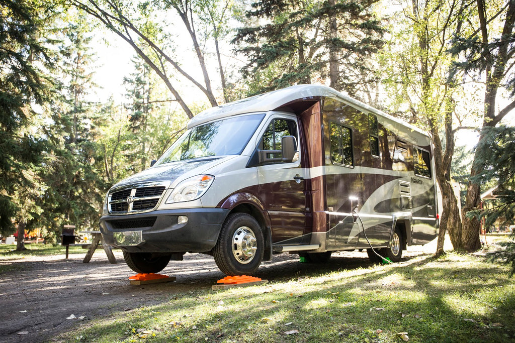 10 MORE Great US RV Dealerships That Carry the Orange - Lynx Levelers!