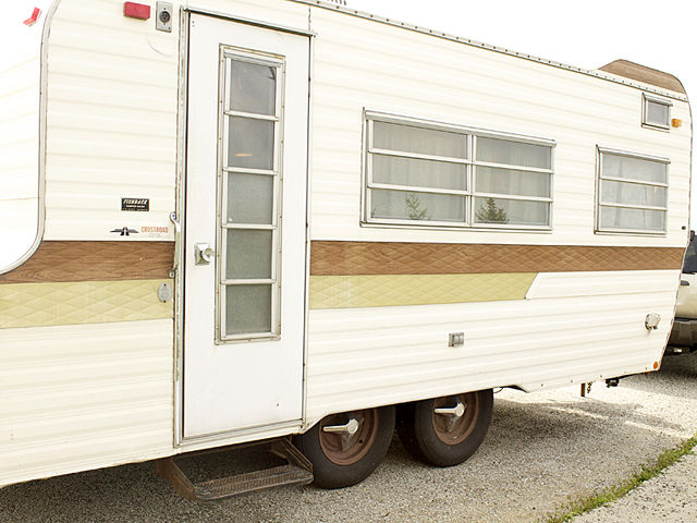 15 vintage RV DIY before & afters that are giving us goosebumps