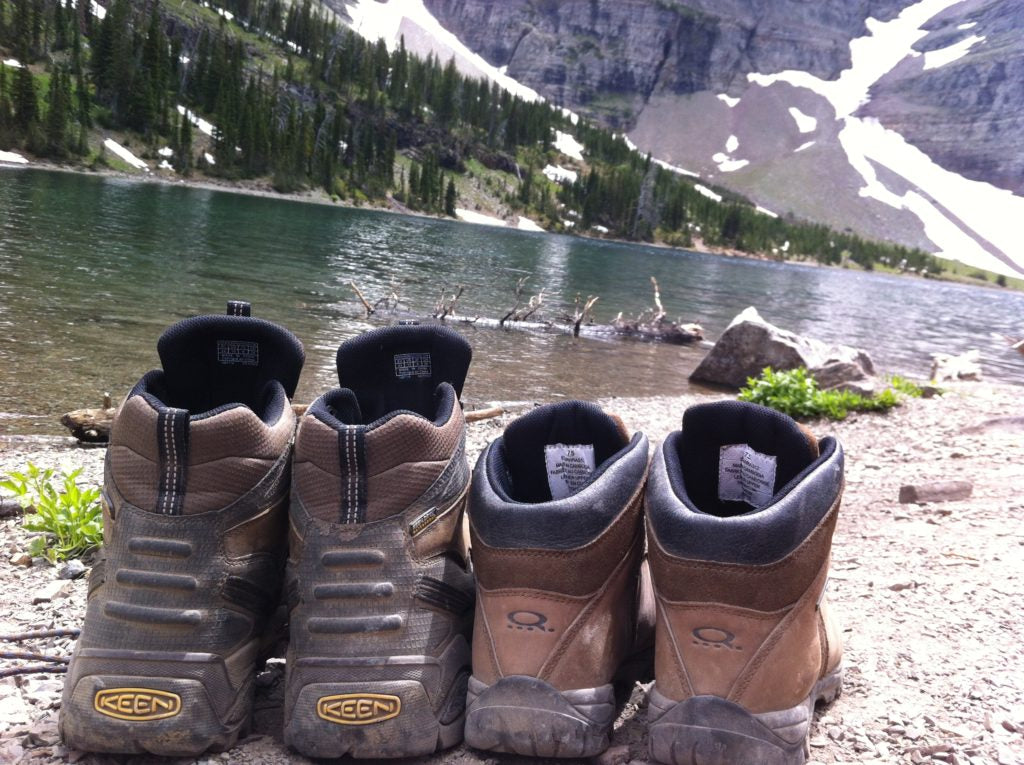 crypt lake trail waterton hiking boots