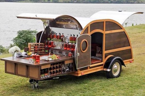 Traveling cocktail bar