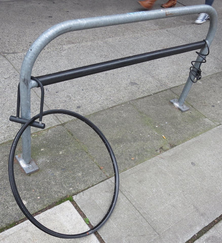 poor bike locking technique