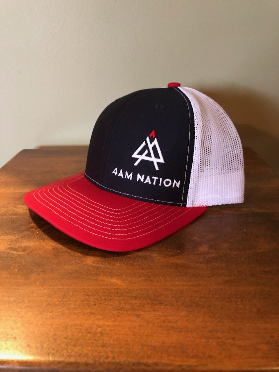 NAVY WHITE AND RED - WHITE LOGO RED TIP
