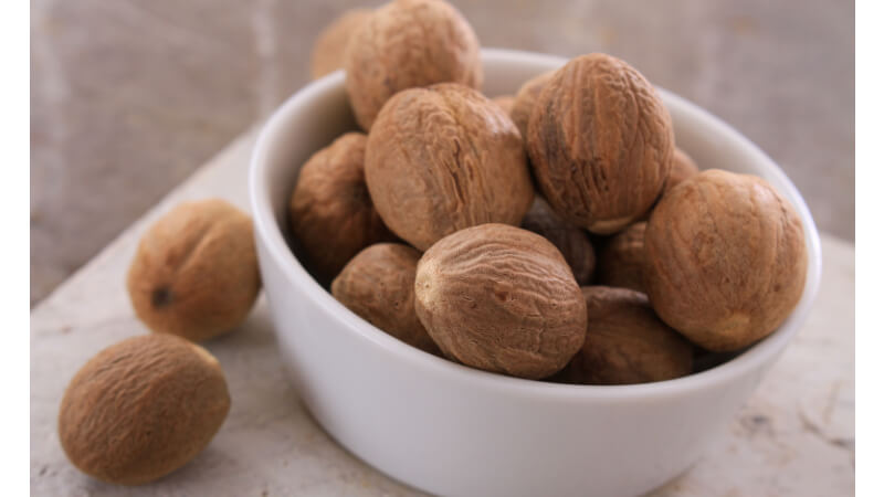 herbs for skin nutmeg
