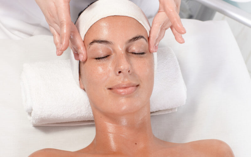 What Can Hydro Facial Do For Your Skin