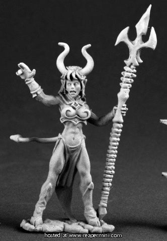 Miniature: Metal | Sinessa Hellborn Sorceress