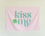 Kiss Me Mini-Backdrop
